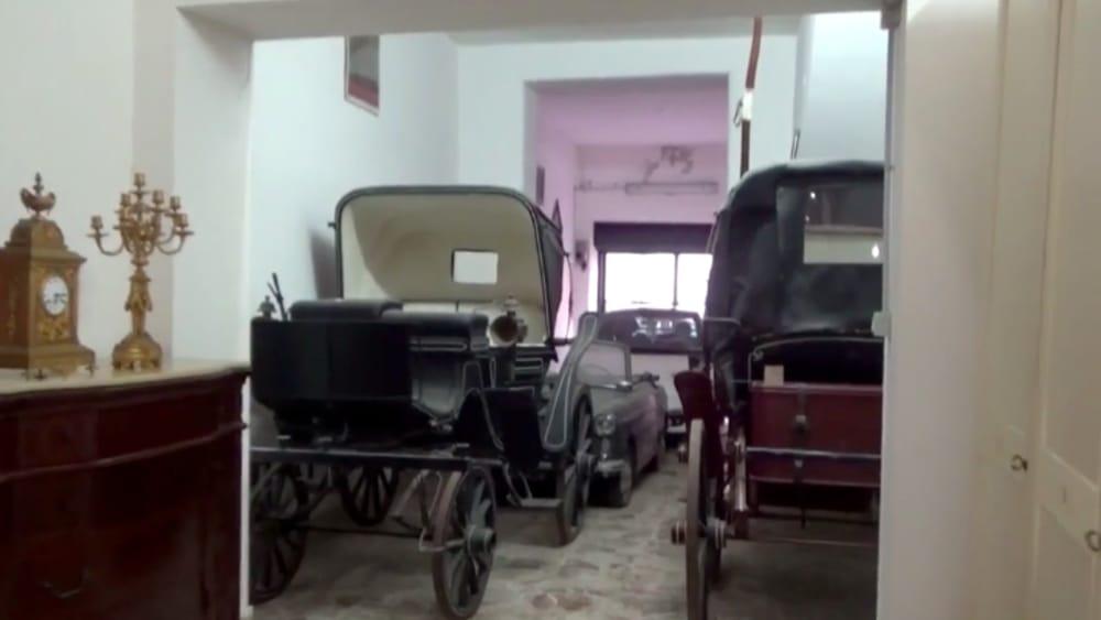 Carrozze, calessi e appartamenti sfarzosi: sequestro di beni per Amato e Scuderi