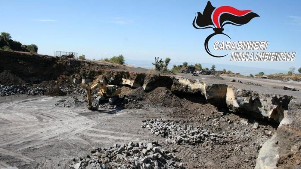 Parco dell'Etna, sequestrata cava abusiva: 4 denunce