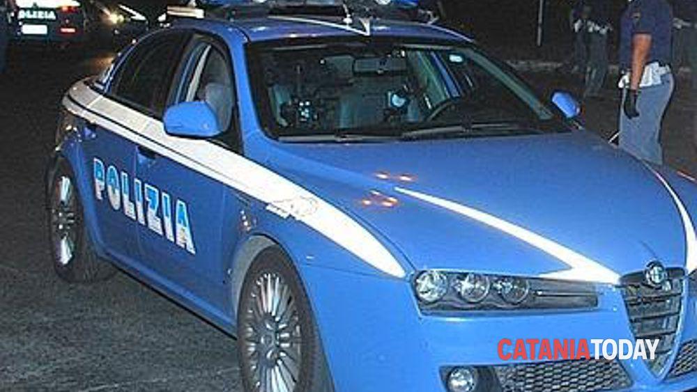 Tre minorenni arrestati dalla squadra mobile: aggredirono un poliziotto al