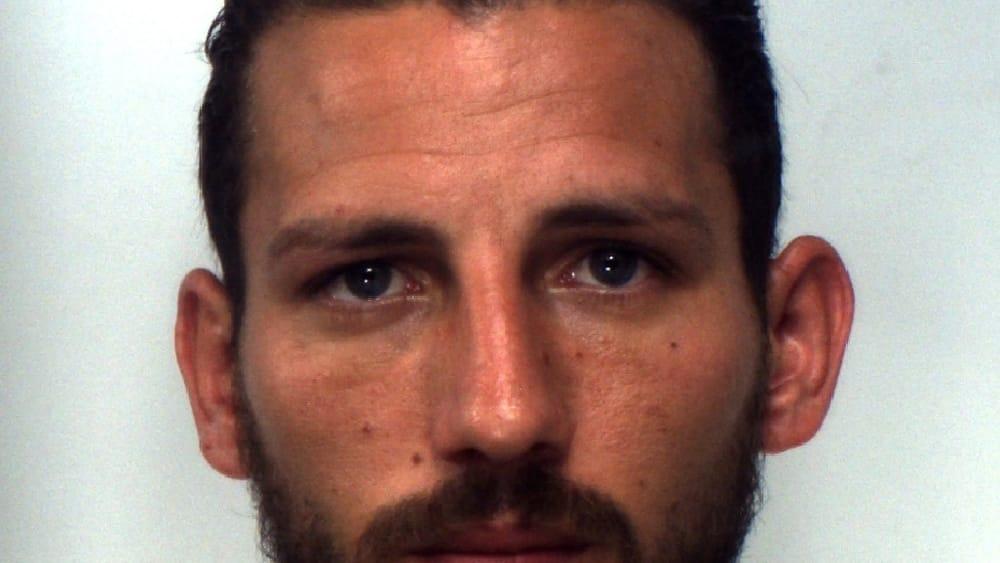 Spacciava cocaina con la figlia in auto, arrestato
