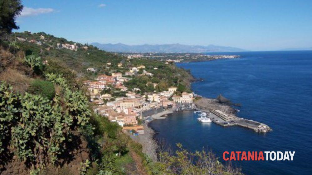 Fare verde pulizia delle spiagge italiane c 39 anche for Motta arredi ragalna