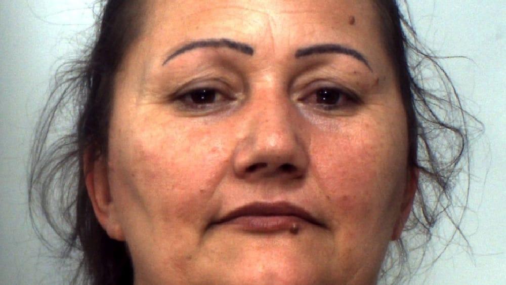 Spacciava cocaina a casa: in manette una pusher 39enne